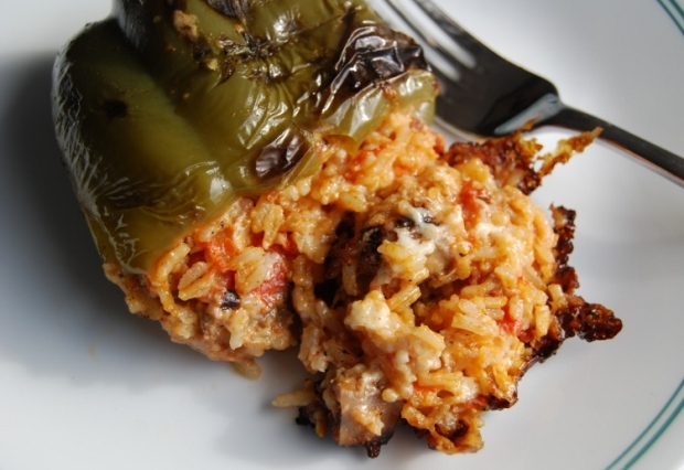 Louisa's Stuffed Peppers a la Norvegia - sarahinthekitchen.com